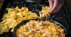 20171312_Baked-Buffalo-Chicken-Dip_RE_HE_M.jpg